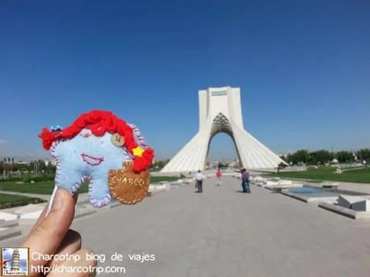 Y Charcotripita también quería su foto con la torre