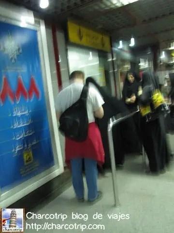comprando-boletos-metro-teheran