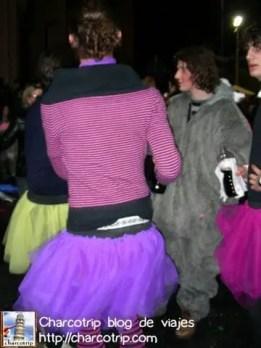 Chico con falda