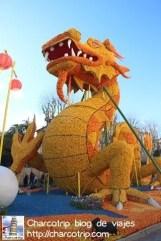 """Despues este """"lindo"""" dragon nos dice hola XD"""