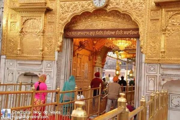 entrada-templo-dorado