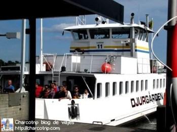 Y ahí viene el ferry