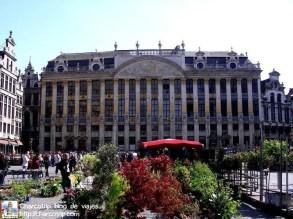 grand place bruselas edificio