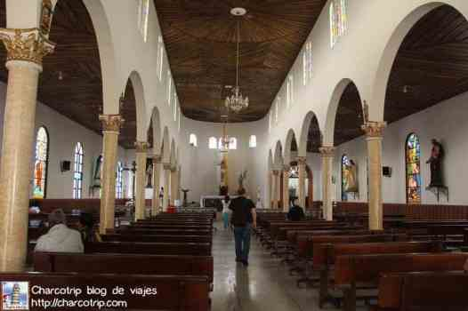 interior-iglesia-salento