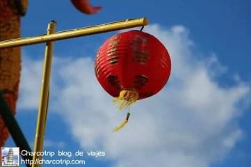 Bellas lamparas que se dejan llevar al ritmo del viento