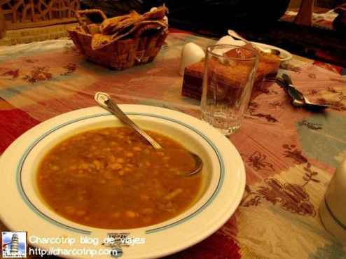 Una de las muchas ricas sopas de verduras que probamos en Iran