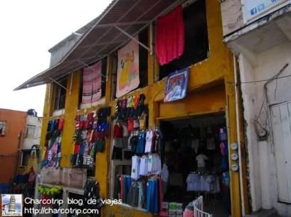 Muchas tiendas se nos atravesaron en el camino