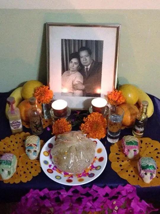 Ofrenda a mis abuelos Margarita y Celerino Rosas.