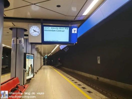 pantalla-tren-anden-aeropuerto-amsterdam