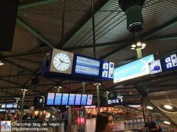 pantallas-trenes-aeropuerto-amsterdam