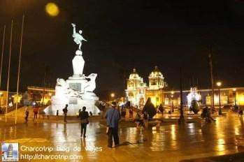plaza-de-armas-noche-trujillo