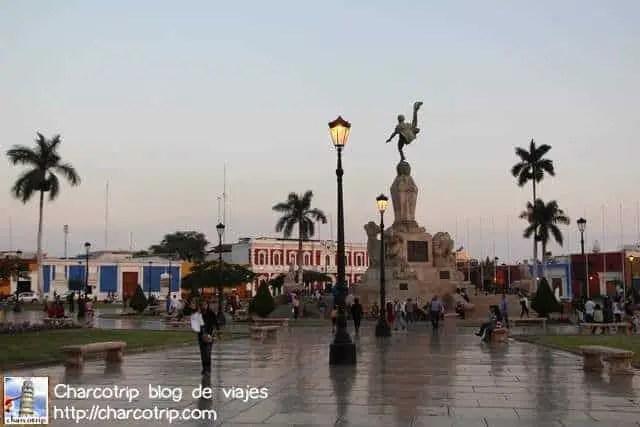 plaza-de-armas-trujillo