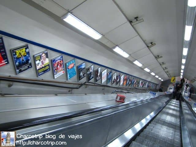 En el metro, por suerte a esa hora vacío