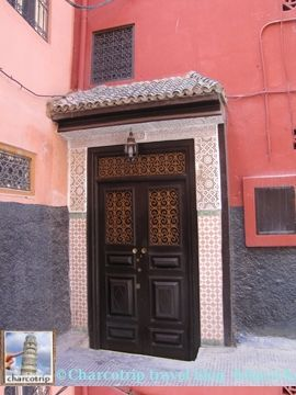 La puerta del Riad