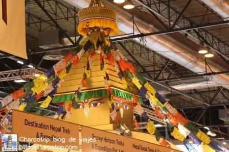 La stupa de mentiras del stand de Nepal hace que te den ganas de ir a ver las de verdad...