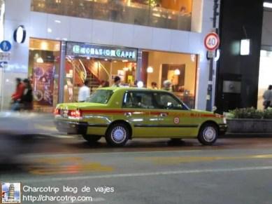 Un taxi japones, todos los que vi eran de la misma forma