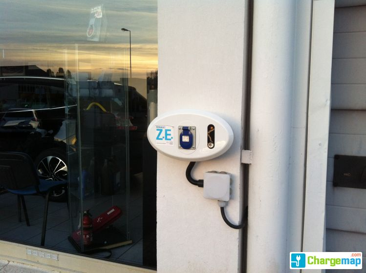 renault chambray les tours charging