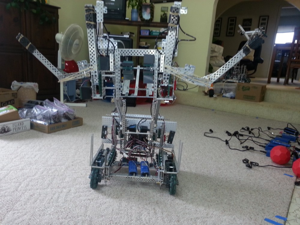 medium resolution of this robot employs two forks that lift large balls onto the catapult this catapult has the capabilities of launching 8 9 large balls