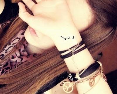 20 Tatuajes Pequeños Para Brazos De Mujeres Charhadas