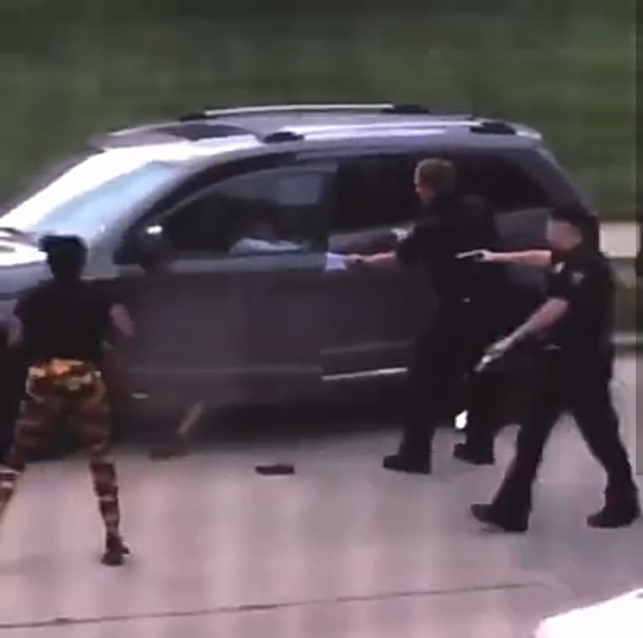 """#BLACKLIVESMATTER: """"White police officer in Wisconsin shoots unarmed black father in the back seven times in front of his children as he tried to enter a car"""""""
