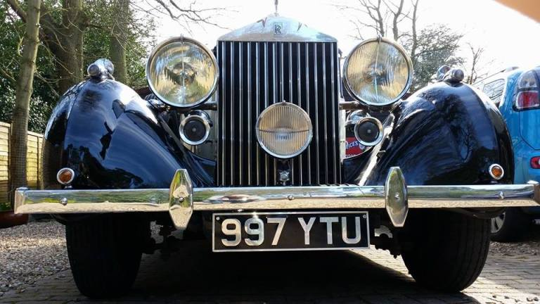 rolls-royce-1939-wraith-victoria-front-view