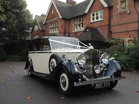 rolls-royce-1939-wraith-victoria-ready-for-wedding