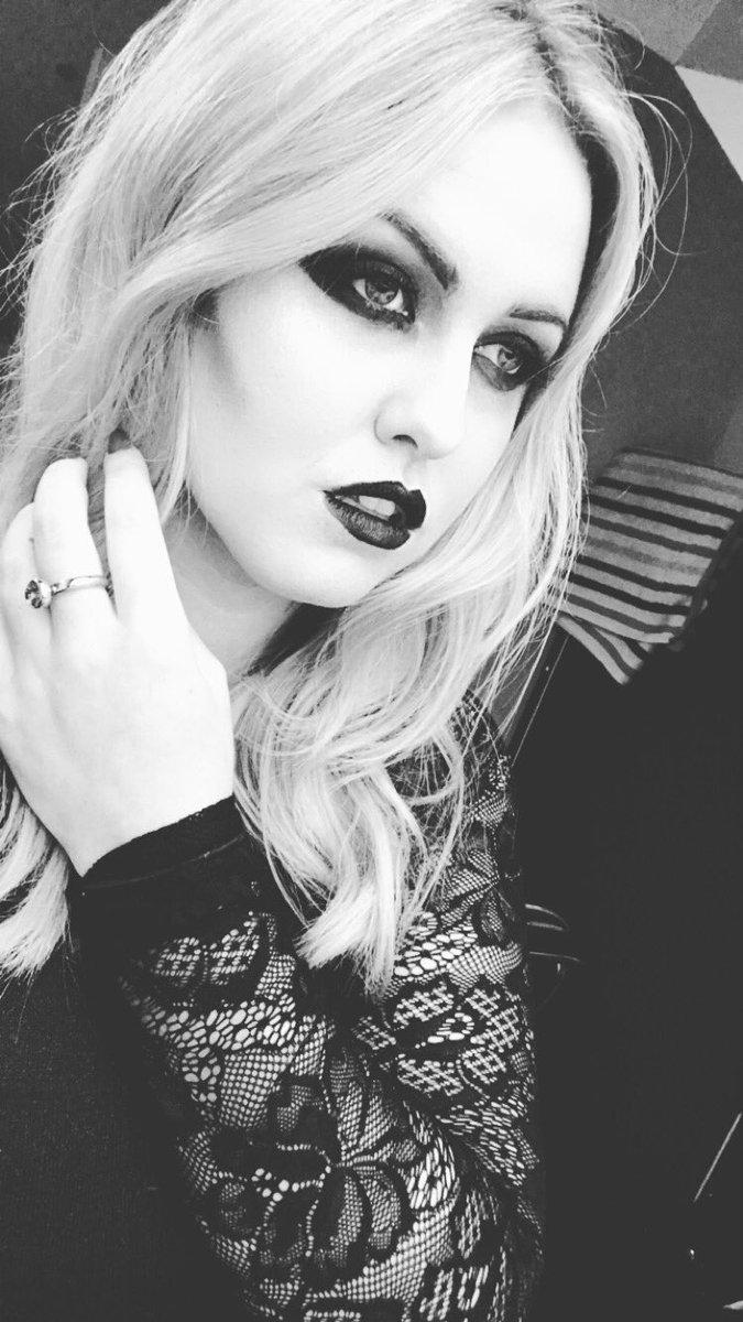 make up selfie x