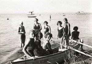 jane-haining-her-girls-at-lake-balaton-during-summer-holidays-spent-in-a-rented-villa