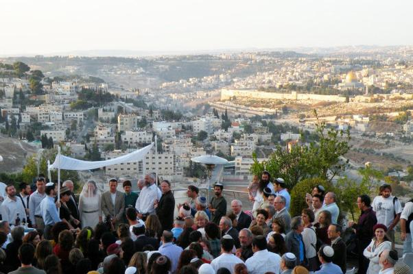 Wedding at Sunrise on Mount Scopus in front of the Temple Mount.