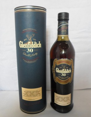 Lot 4: Glenfiddich Malt Whisky, 30 years