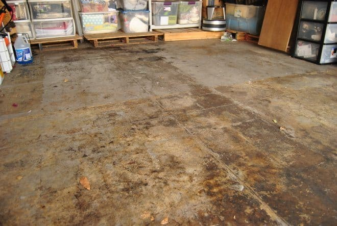 Garage Floor Makeover with RustOleum EPOXYSHIELD