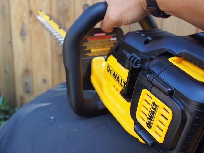 Dewalt 40V Max hedge trimmer