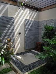 outdoor-shower-1