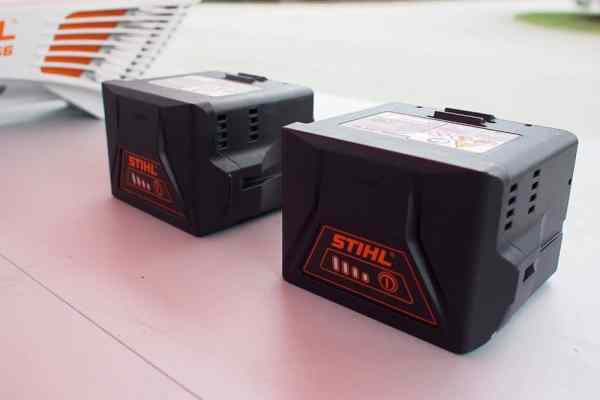 stihl-lightning-batteries