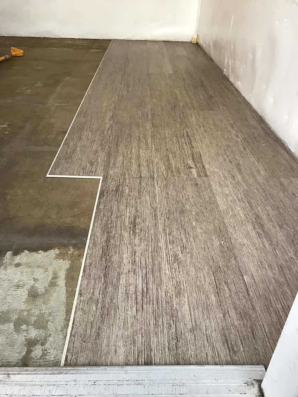 Installing Glue Down Vinyl Plank Flooring Over Plywood