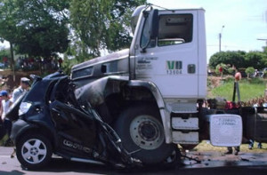 Houston Truck Accident Lawyers at Charles J. Argento
