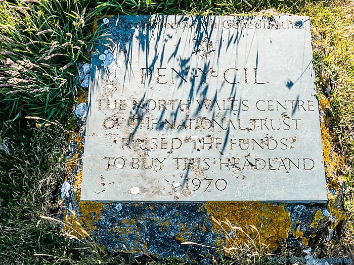 Slate plaque at Pen y Cil on the lleyn peninsula, photographed by Charles Hawes