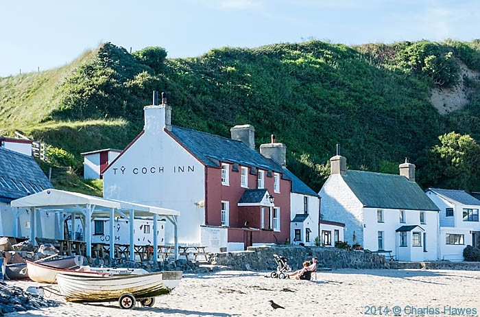 Ty Coch Inn, Porth Dinllaen, photographed by Charles Hawes