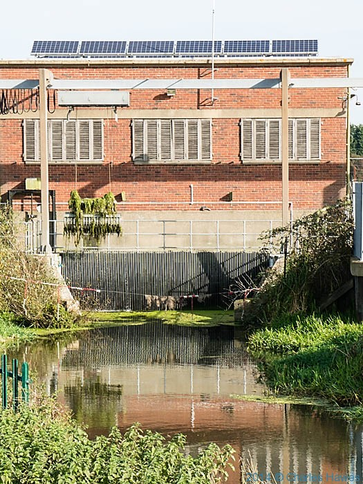 Weed removal at pumping station on the Little Stour, photographed by Charles Hawes