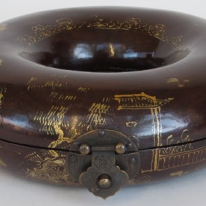 Round Lacquered Bead Box