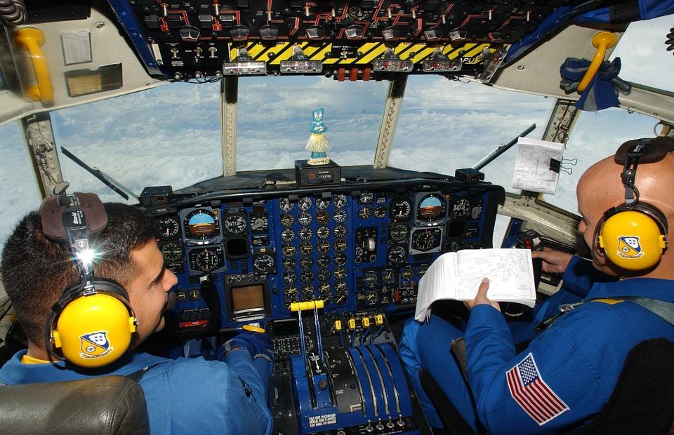 cockpit-79525_960_720