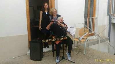 Régine MOURTHE et son amie Véronique DUHEM, accompagnées par une étudiante
