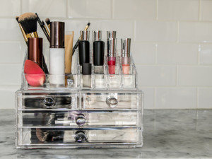 5 Tips for Organizing Makeup in the New Year