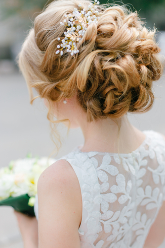 The Pros and Cons of Wearing Your Hair Up for a Summer Wedding