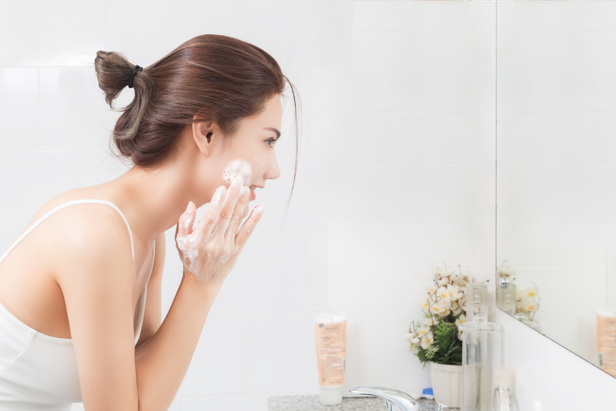 10 Skincare Tips Professionals Want You to Know