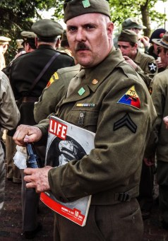 soldier_with_life_color (1 of 1)