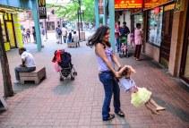 sarah_lorena_enjoying_chinatown (1 of 1)