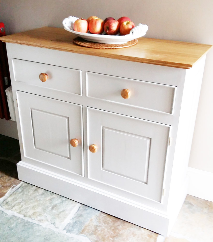 charlie-caffyn-designs-oak-and-painted-kitchen-cabinet