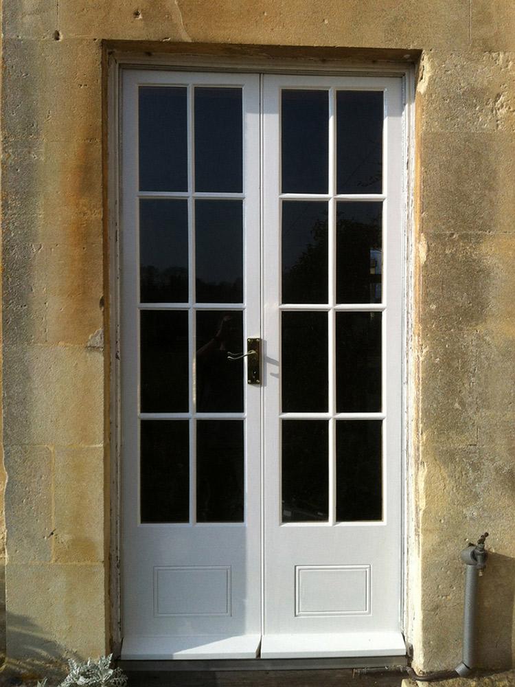 charlie-caffyn-designs-replica-georgian-doors-in-painted-douglas-fir