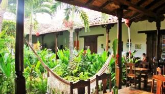 Garden cafe Granada, Nicaragua - Charlie on Travel